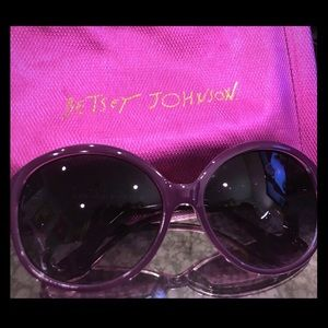 Betsey Johnson Purple sunnies